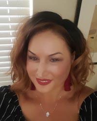 Danelle Hollenbeck profile picture