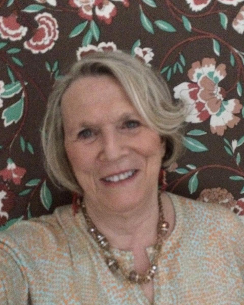 Esta Rose profile picture
